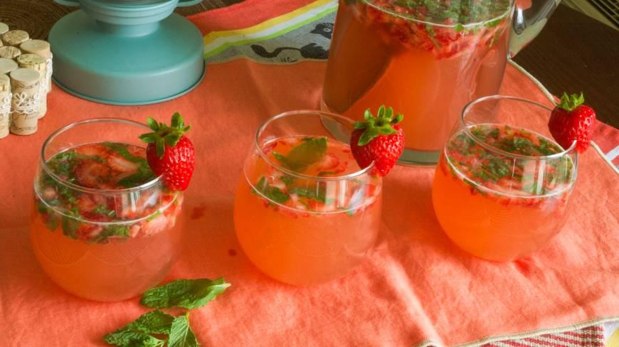 strawberryrhubarbmojito4